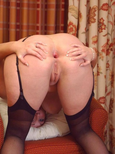 Masturbating woman photos voyeur