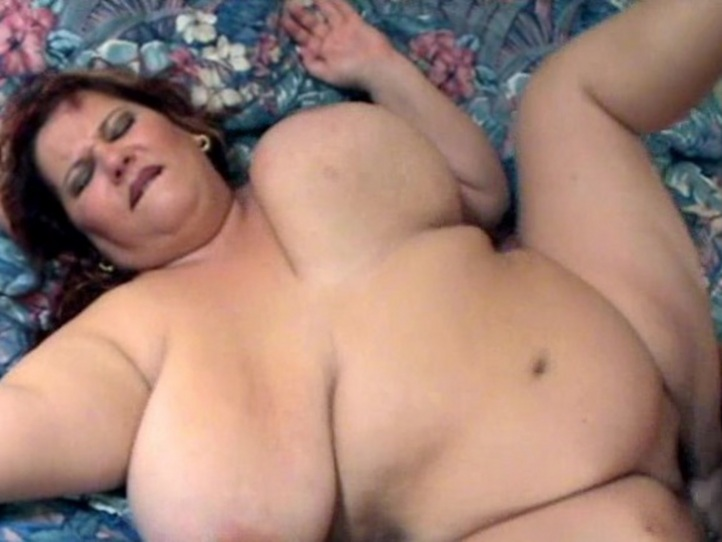 Nude fat girl boobs