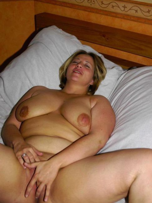 Fat red head ugly naked girl — photo 3