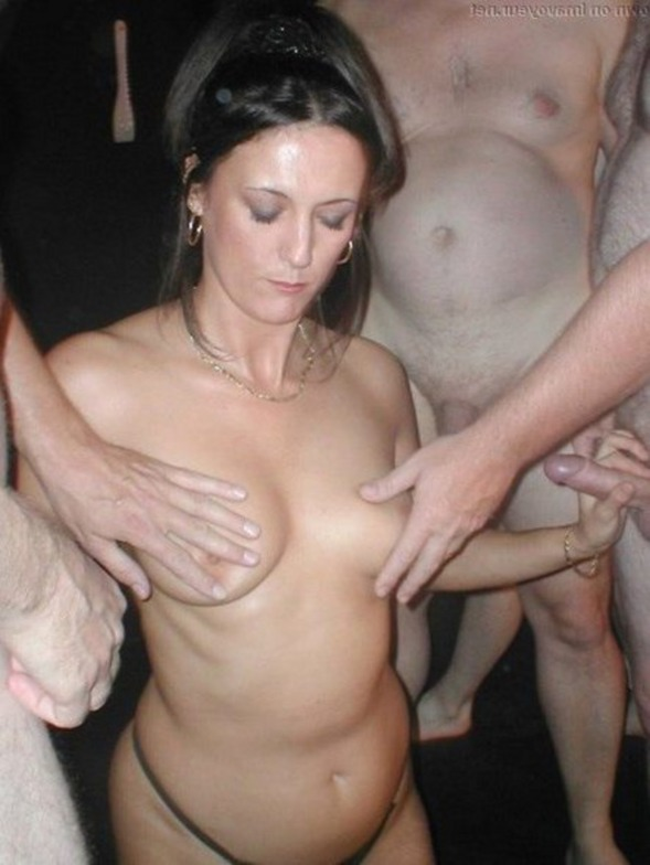Naked wife swaping