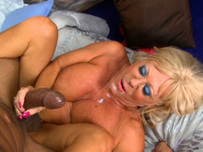 Older wife having sex