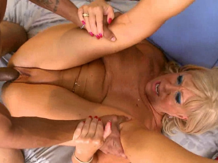 Amateur milf facial and bj slomo compilation
