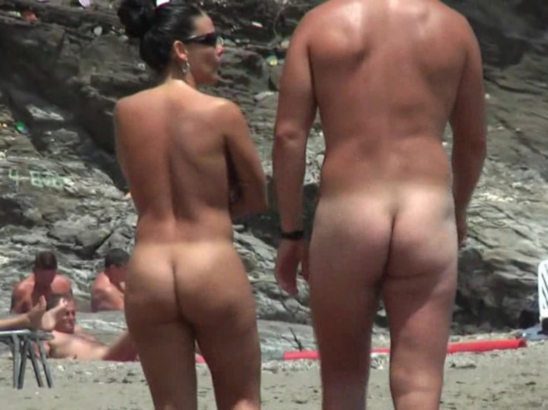 Jessica simpson at nude beach