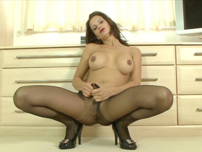 mature-sex-in-stockins-suspenders-delaware-girls-naked