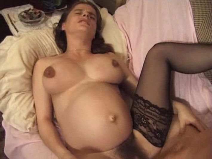 Mature pussy lips hanging